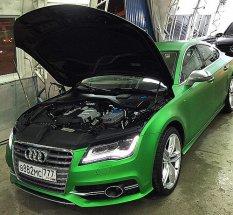 Идеальная чистота снаружи и внутри. Сегодня отмыли двигатель на #Audi #S7 . Думаем, вы могли её лицезреть...